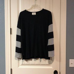 Bell sleeve over sized black and gray top med NWOT